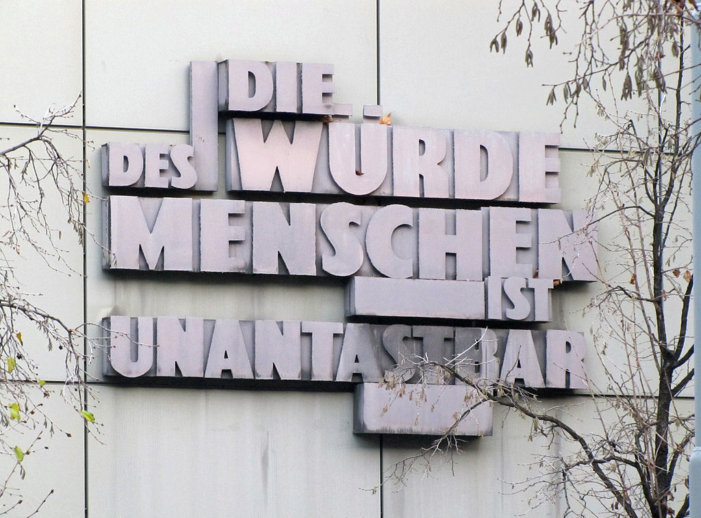 Art. 1, Satz 1, des Grundgesetzes der Bundesrepublik Deutschland, am Landgericht in Ffm