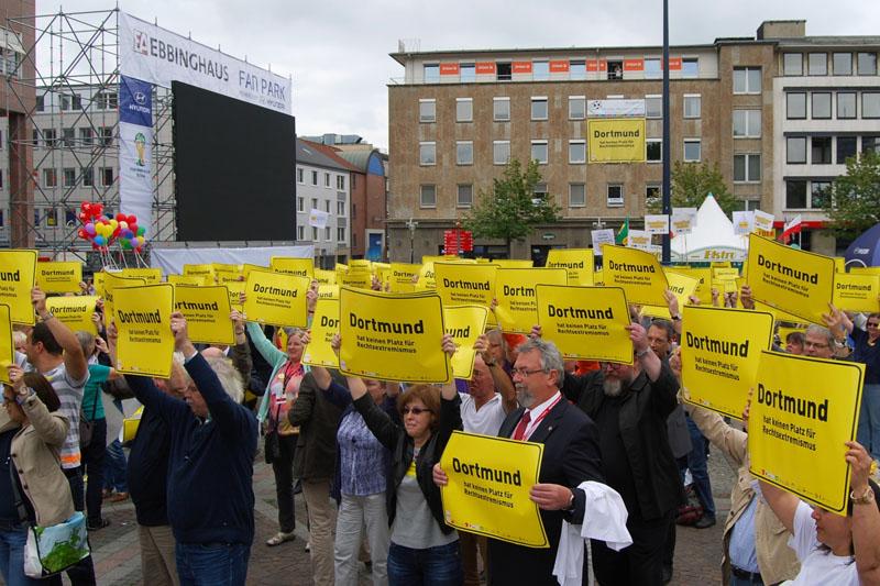 Demo gegen Rechts auf dem Friedensplatz
