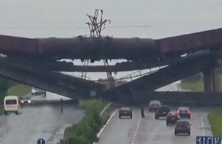Gesprengte Brücke im Donezbecken