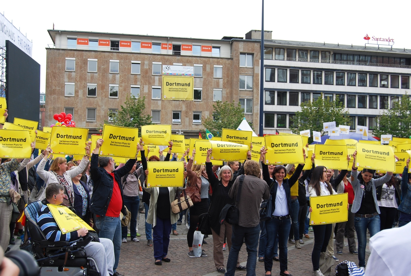 Dortmunder Zivilgesellschaft schützt ihr Rathaus