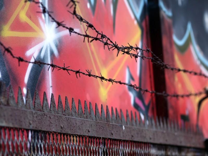 Stacheldrahtzaun an deutscher Grenze