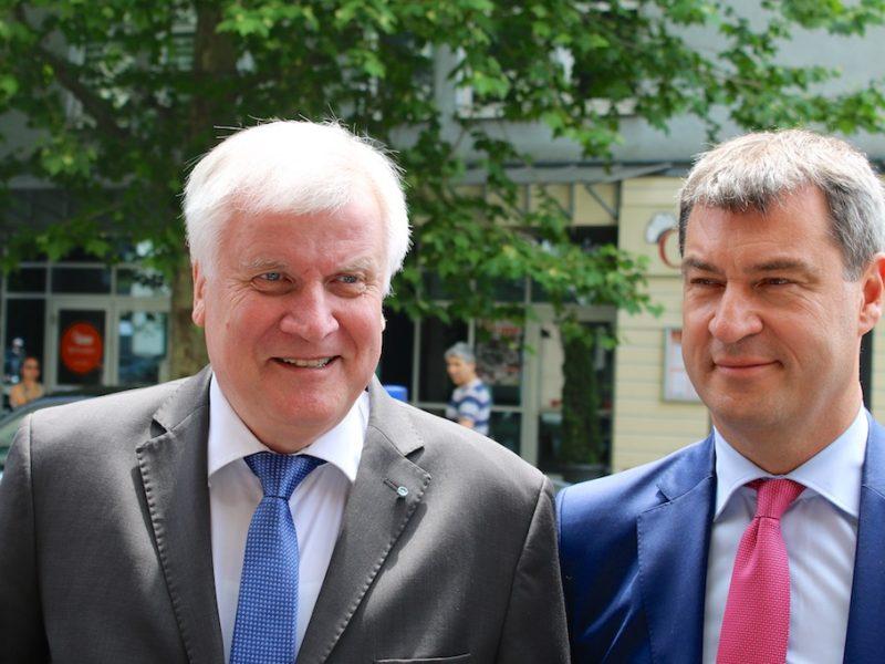 Ministerpräsident Seehofer mit Staatsminister Söder