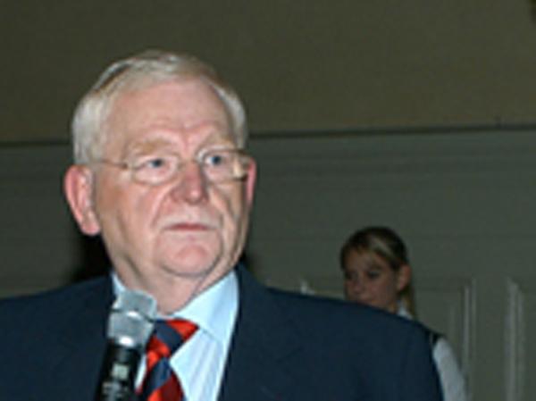 Friedhelm Ost