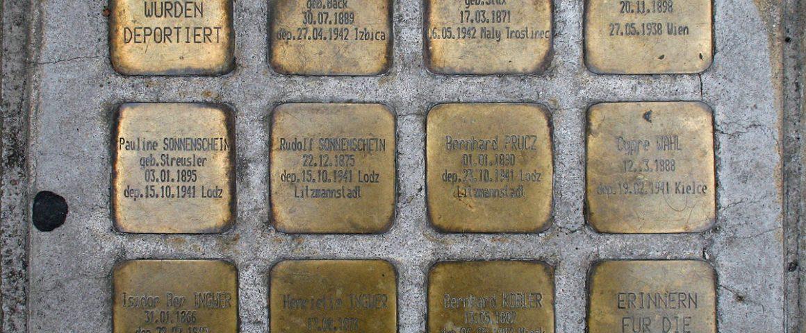 """Gedenkobjekte des Projektes """"Erinnern für die Zukunft"""" in Wien,"""