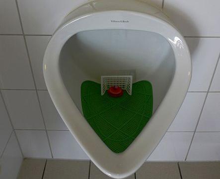 Fußballfeld Urinal