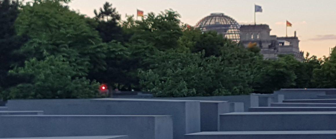 Mahn- und GEdenkstätte mit Reichstag