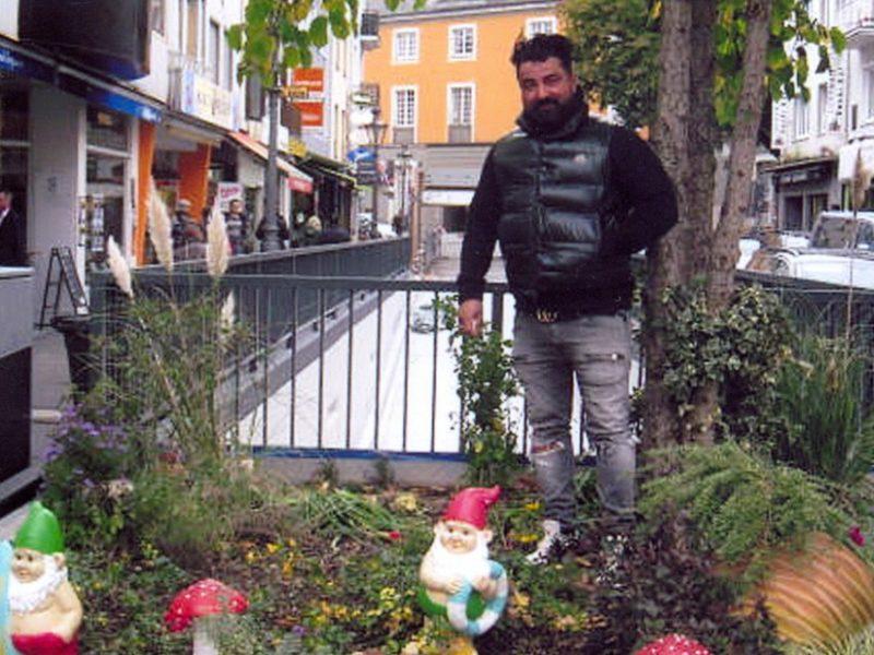 Gartenzwerge mit Mamabi Nagibzadeh