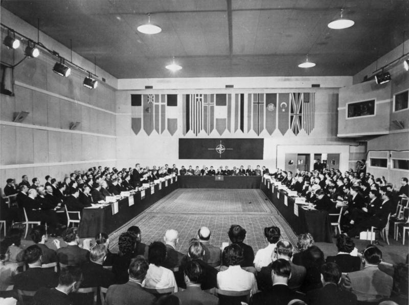 Aufnahme der Bundesrepublik in die NATO