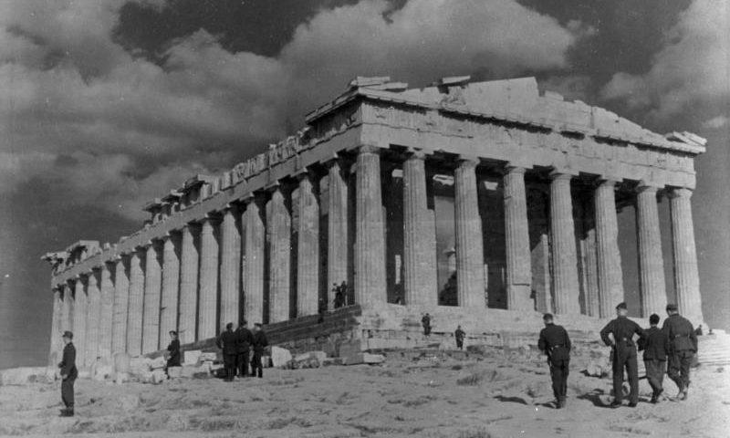Deutsche Besatzer auf der Akropolis 1941
