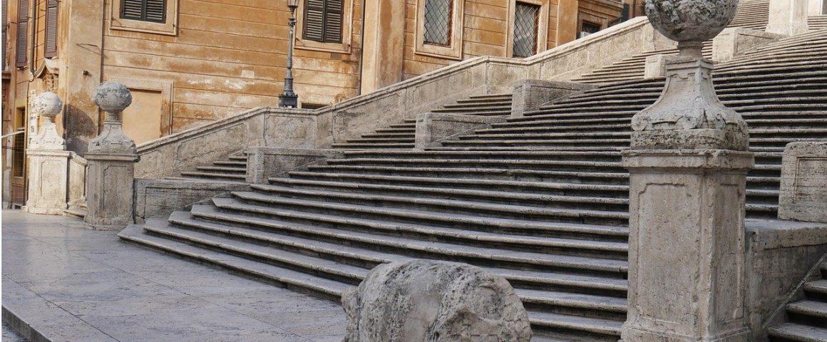 Spanische Treppe in Rom - menschenleer