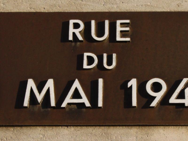 Straßenschild 8. Mai 1945