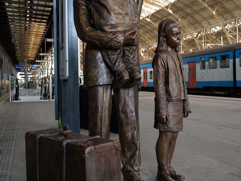 Denkmal auf dem Prager Hauptbahnhof für Nicholas Winton