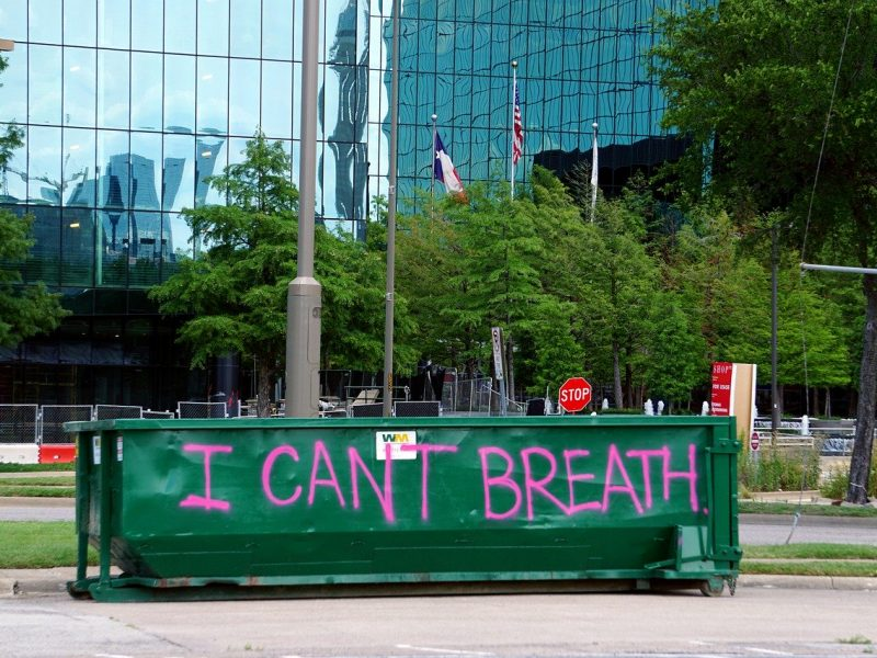 """Protestplakat """"Ican't breathe"""" nach der Ermordung von George Floyd"""