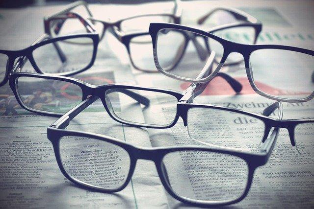 Brillen, Zeitung