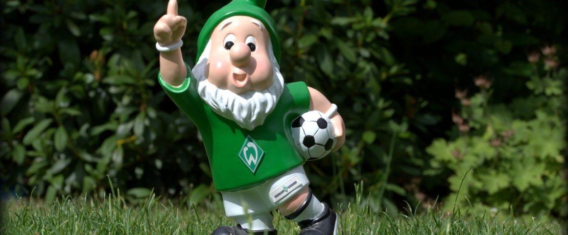 Gartenzwerg im Trikot von Werder Bremen