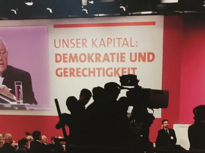 "Ausstellungseröffnung ""Helmut schmidt"""