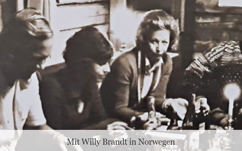 Uwe-Karsten Heye mit Willy Brandt in Norwegen