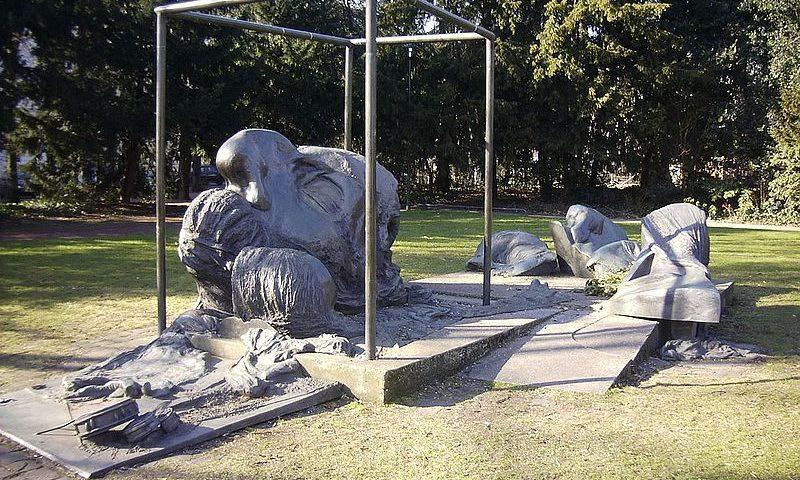 Heinrich-Heine-Denkmal von Bert Gerresheim, Düsseldorf