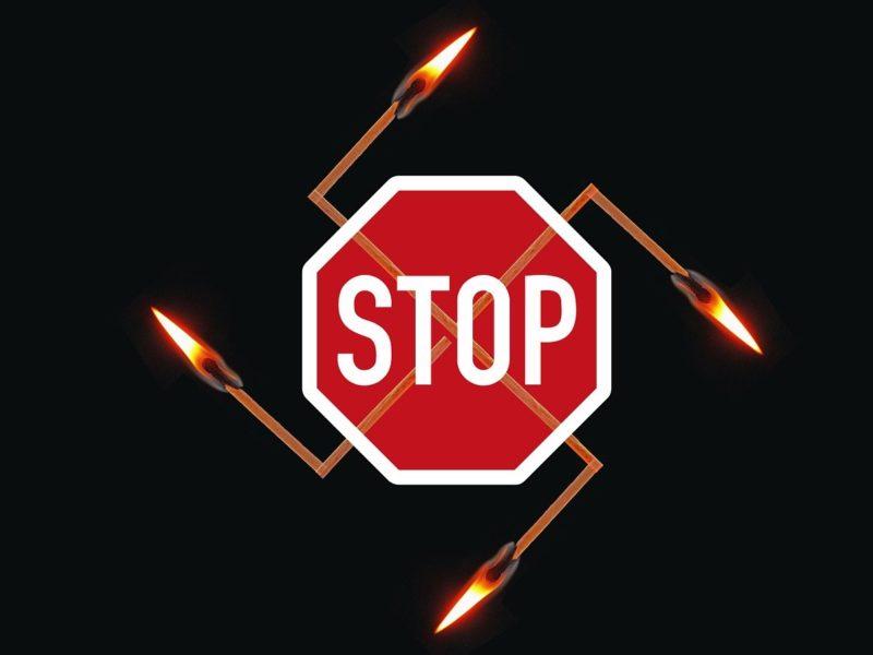 STOP-Schild - Gegen Nazis