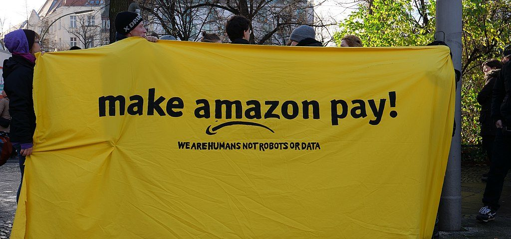 Protes gegen Amazon - Make Amazon Pay