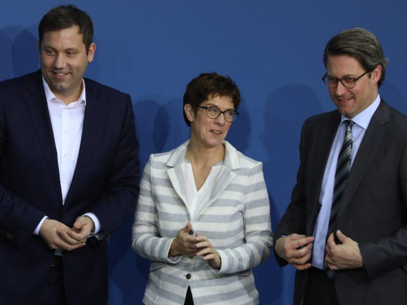 Lars Klingbeil 2018 bei der Unterzeichnung des Koalitionsvertrages