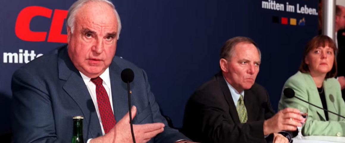 Helmut Kohl mit Wolfgang Schäuble und Angela Merkel