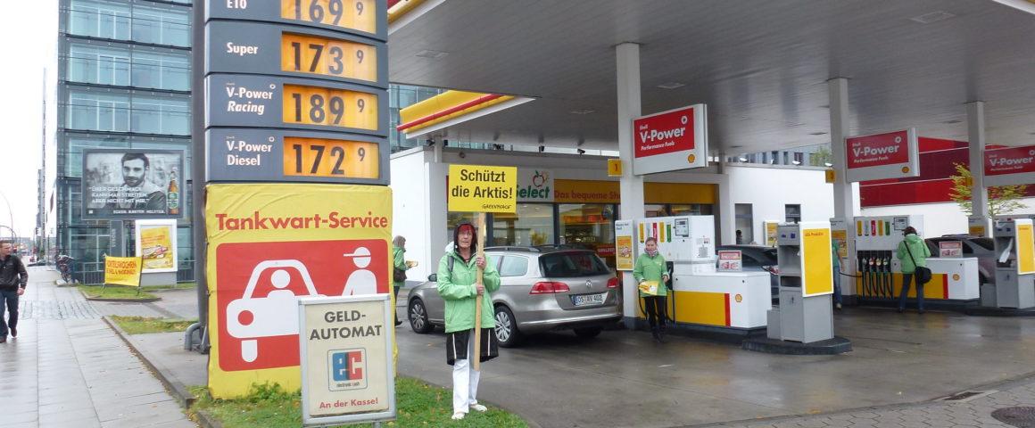 Beispiel für Benzin- und Dieselpreise 2012, Klimaprotest gegen Ölbohrungen in der Arktis