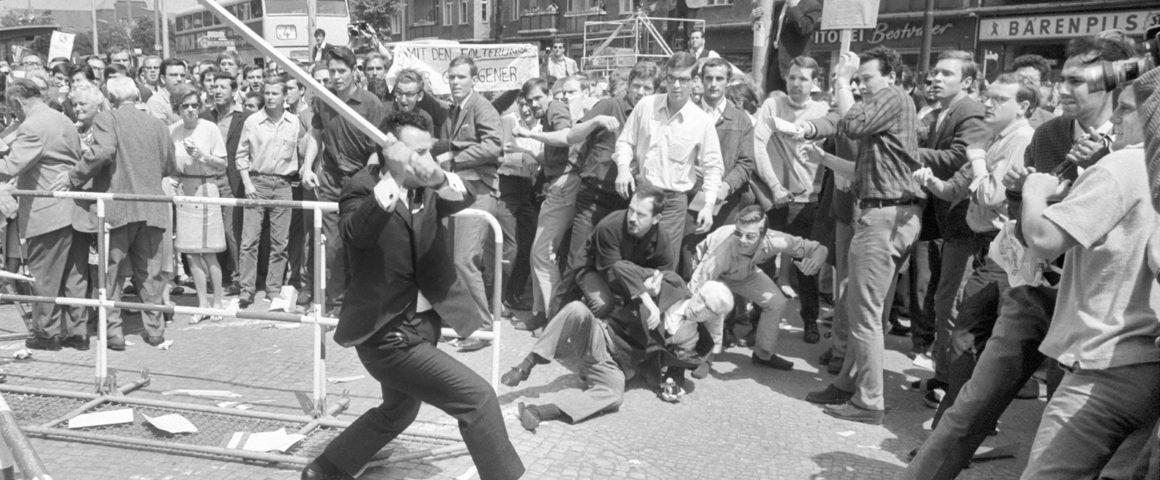 Gealt gegen Studenten und Protestierende beim Schahbesuch am 2. Juni 1967