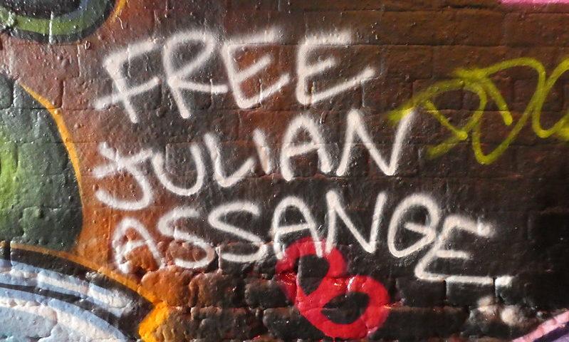 Grafitti Julian Assange