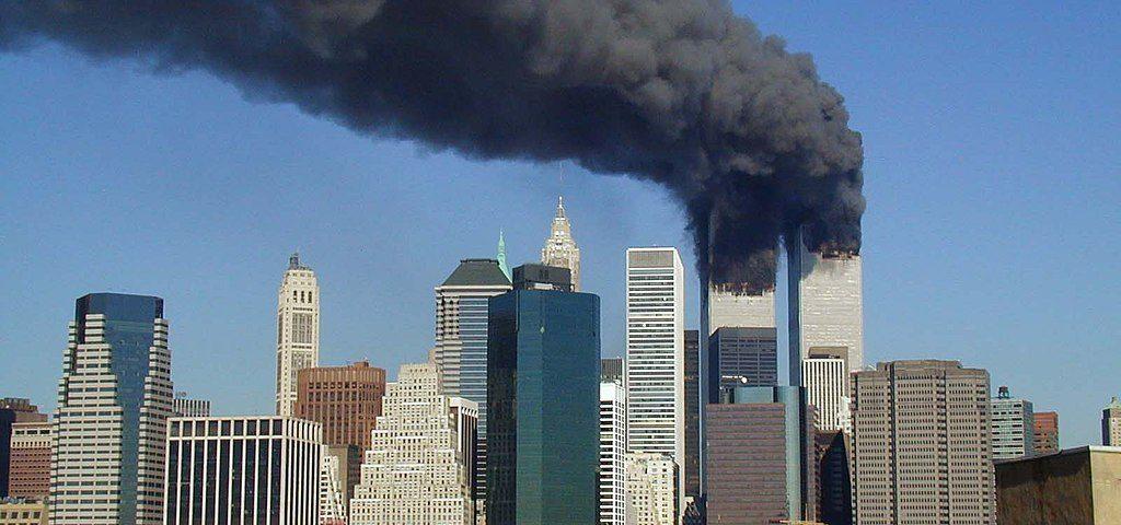 World Trade Center brenend am 11. September 2001